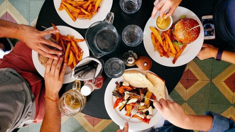 כל היתרונות של כרטיסים לארוחות בתל אביב